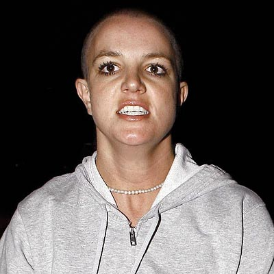 Britney-spears-shaved-head-400a061907